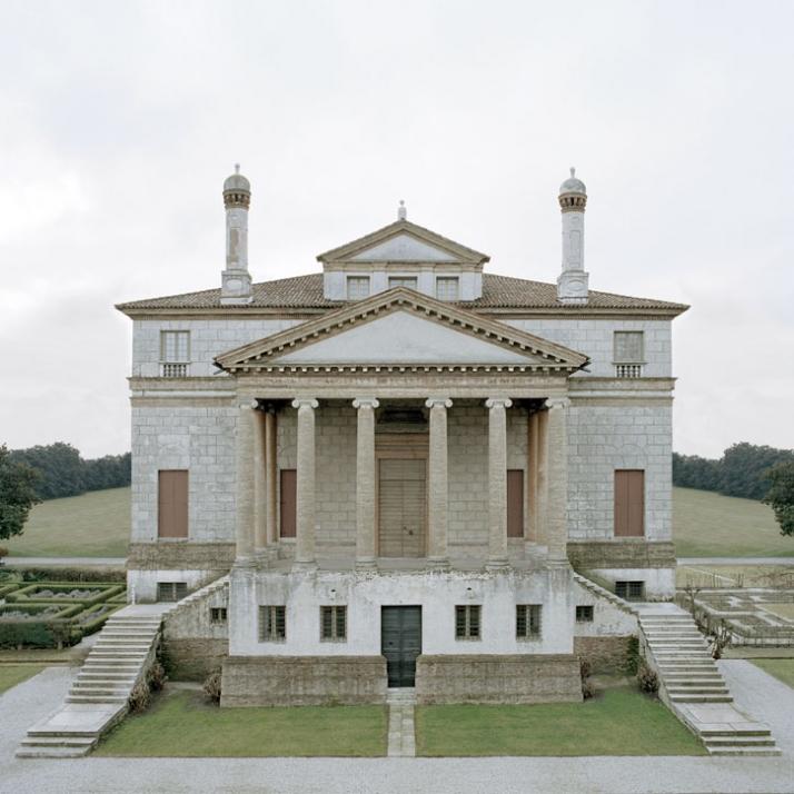 Andrea palladio and zaha hadid architects yatzer for Architecture facade villa