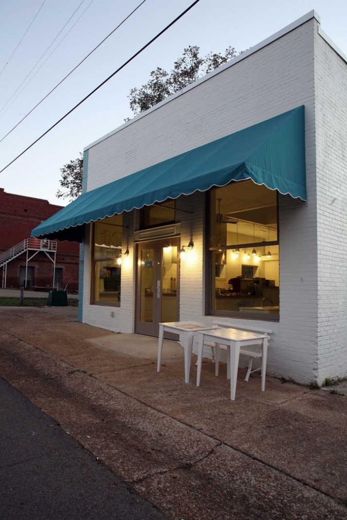 Little Building Cafe by Annie Coggan in Mississippi | Yatzer