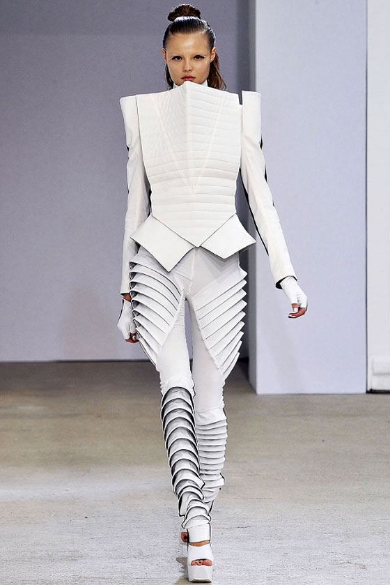 Sculpture gone couture yatzer for Space pattern clothing