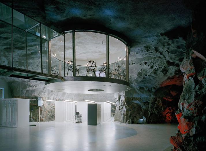 revelado el secreto de la mesa de salomon Yatzer_Pionen_White_mountain_by_Albert_France-Lanord_architects_6