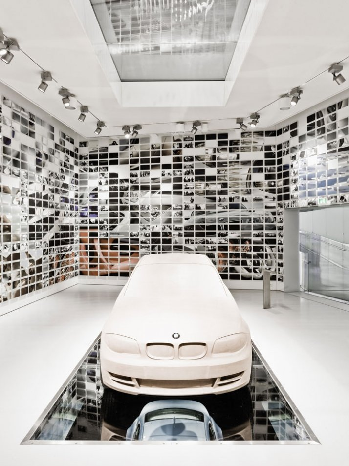 a tour in the new bmw museum yatzer. Black Bedroom Furniture Sets. Home Design Ideas