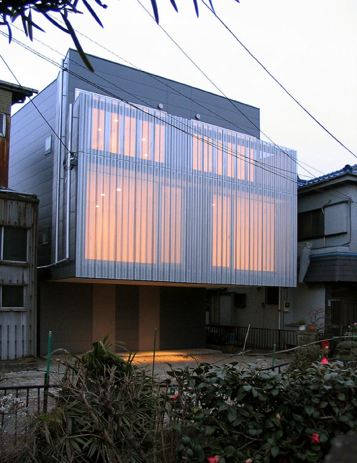exterior view by night  / photo ©  Teruo Miyahara