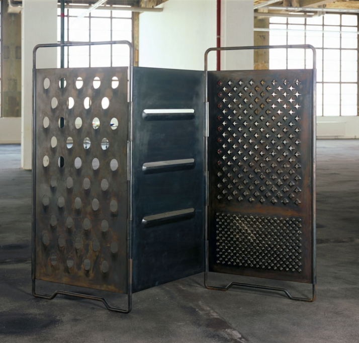 Mona Hatoum, Paravent, 2008 Stahl 211 x 302 x 5 cm Edition von 3 Courtesy The Sander Collection