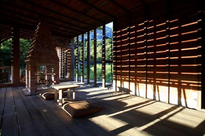 House interior /// photo © AdDa