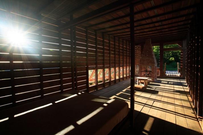 Chen House interior sunset /// photo © AdDa