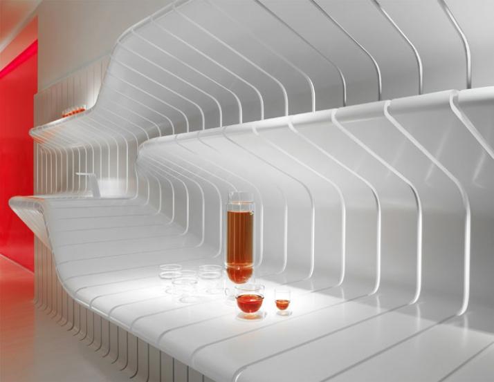 the kitchen area// elegant movement –like structure in a walk-through environment // photo © Leo Torri