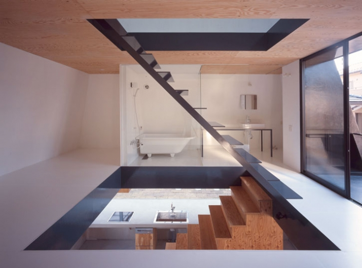 space 2 // main bedroom /// photo © Toshiyuki Yano (Nacasa&Partners Inc.)