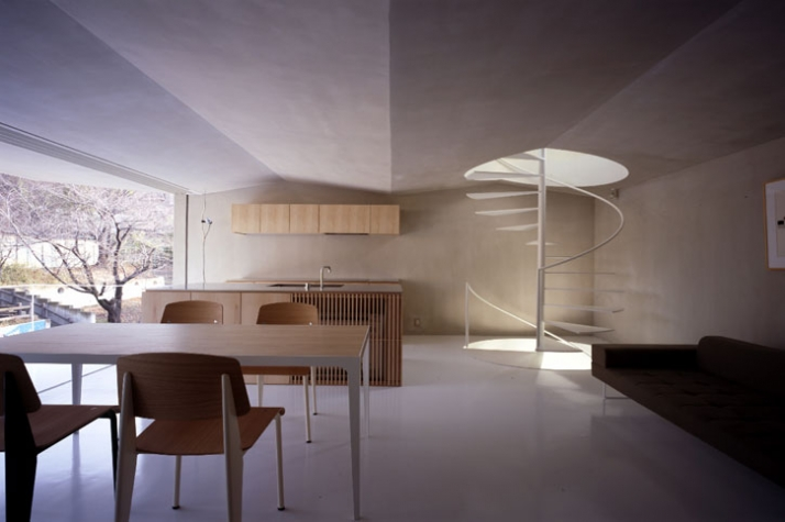 dining & living room // photo ©  Toshiyuki Yano [ Nacasa&Partners Inc.]
