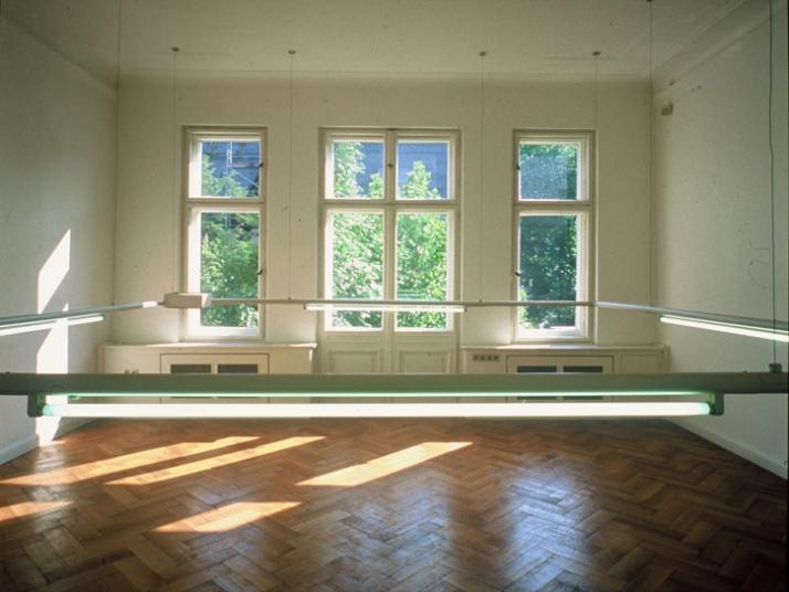 Ayse Erkmen, Das Haus, 1993, DAAD Gallery, Berlin  Photo: Anno Dittmer, Courtesy Galerie Barbara Weiss, Berlin