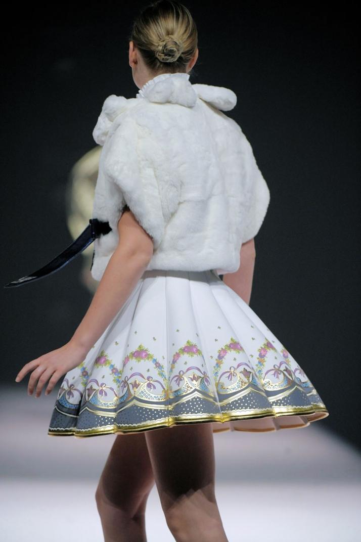 fashion designer: Karisia Paponi photo © Etienne Tordoir