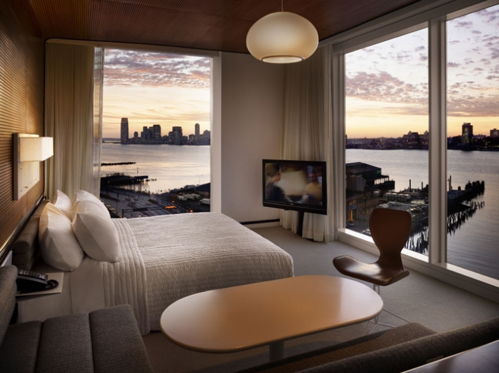 West facing bedroom with view /// photo Courtesy of The Standard,New York