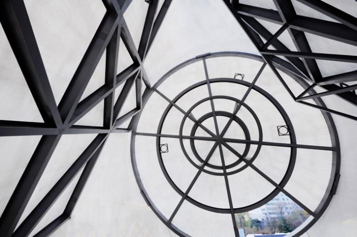 steel structure photo © Nacasa & Partners