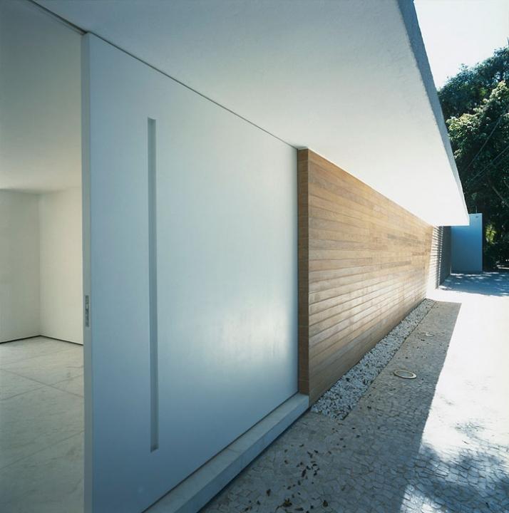 main entrance // photo © Arnaldo Pappalardo