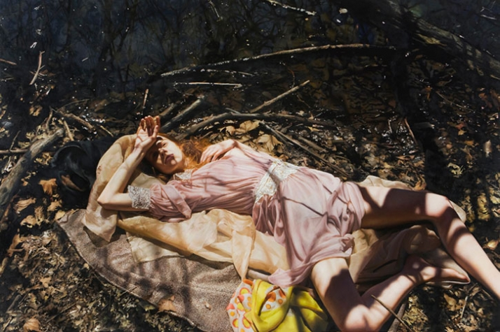 Yigal Ozeri Untitled; Jessica in the park, 2009 Courtesy of Mike Weiss Gallery, New York