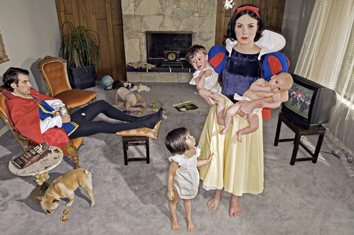 http://yatzer.com/assets/Article/1909/images/dina_goldstein-fallen-princesses_yatzer_5.jpg