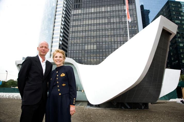 Ben van Berkel (UNstudio) with Warrie Price, founder and president of the Battery Conservancy photo © Richard Koek