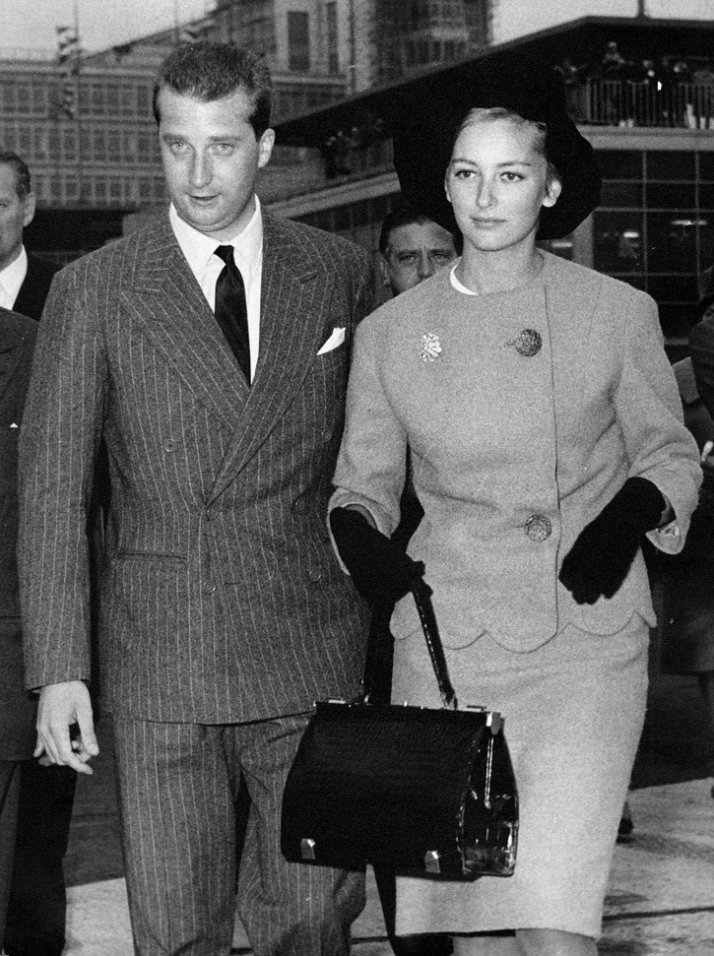 King Albert and Queen Paola wearing 'Le Grand Bonheur' bag, 1959 © Delvaux Créateur