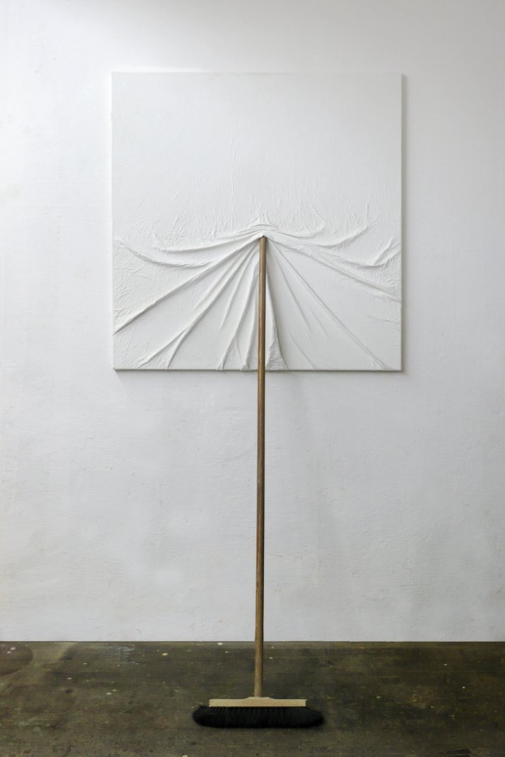 Artist: MARKUS HOFER Title: Bildträger Date: 2004 Dimensions: 100cm x 200cm Materials: white wallpaint on canvas, broom