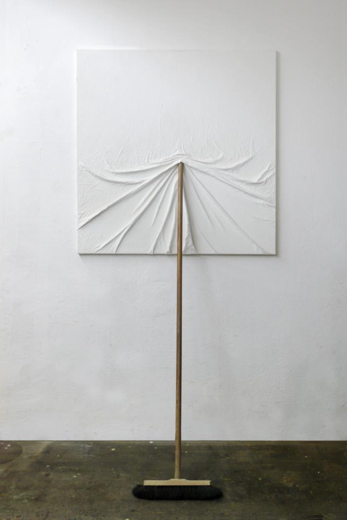 Artist: MARKUS HOFER Title: Bildträger Date: 2004 Dimensions: 100cm x 200cm Materials: white wallpaint on canvas, broom