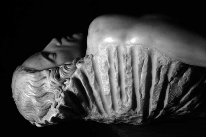 Souvenir Pietà (detail) white marble, 180 x 80 x 70 cm, 2006