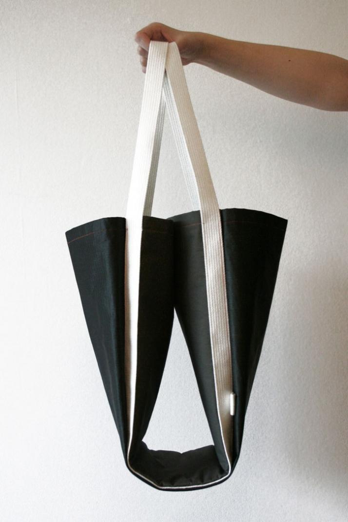 RUSH BAG 360° / 2009Materials: Nylon, coated cotton