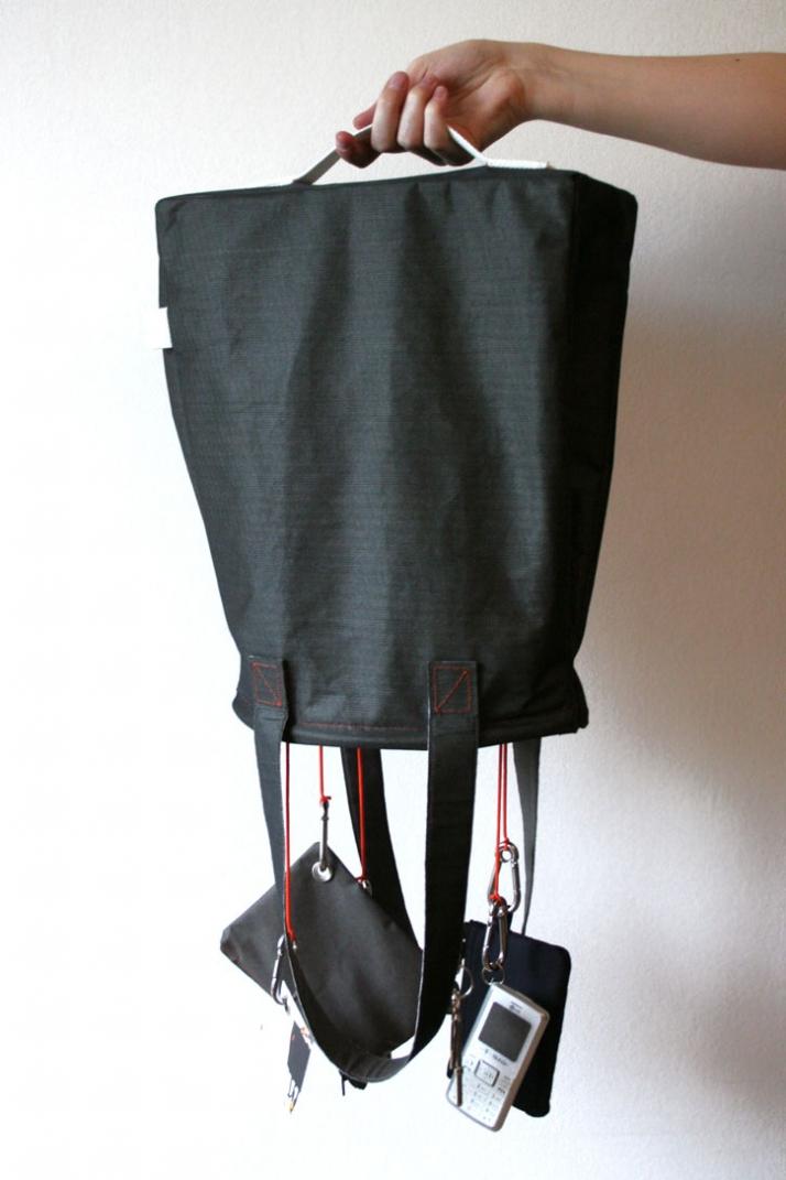 RUSH BAG 180° / 2009Materials: Nylon, coated cotton