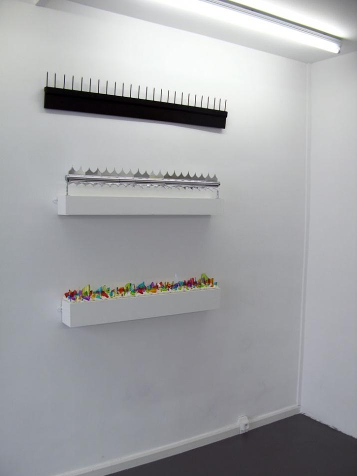 "Gwiazdki / Sterren / Etoiles (detail view of the solo exhibition ""Anthem"") Mixed media Galerie LJ Paris - France 2009"