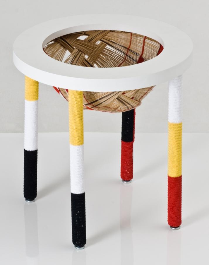 oca magazine rack, 2009 © Rodrigo Almeida