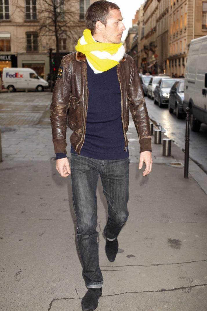 Cashmere scarf, Hermès // Autumn - Winter 2009, photo by Benjamin NITOT