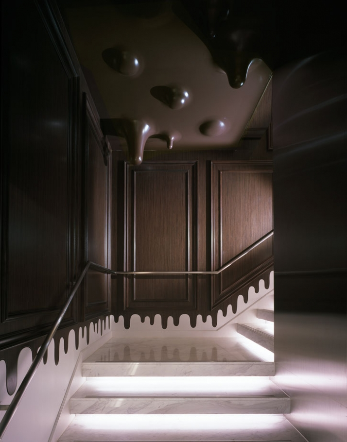 Melting chocolate walls and ceilings at the godiva store for Japanese interior design concept