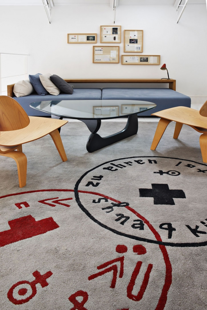 // artworks by David Delfin // Day Bed E15 // coffee table by Isamu Noguchi // chairs by Charles Eames // carpet by davidelfin Photo © Manolo Yllera