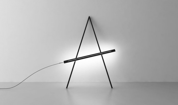 Compas lamp // A leaning floor/wall light which can be moved and set to different heights.  Mat: Oak. // Dim: 2300x1500x60mm.