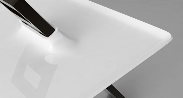 Tripod side table // detail