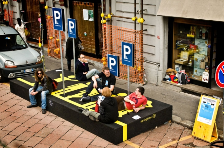 PERSON PARKING // photo by Masiar Pasquali // 2009