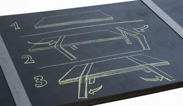 Pi table // photo by Nathalie JOUAN