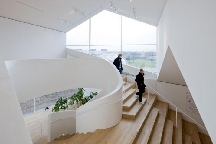 Vitrahaus by herzog de meuron yatzer for Innenraum designer programm