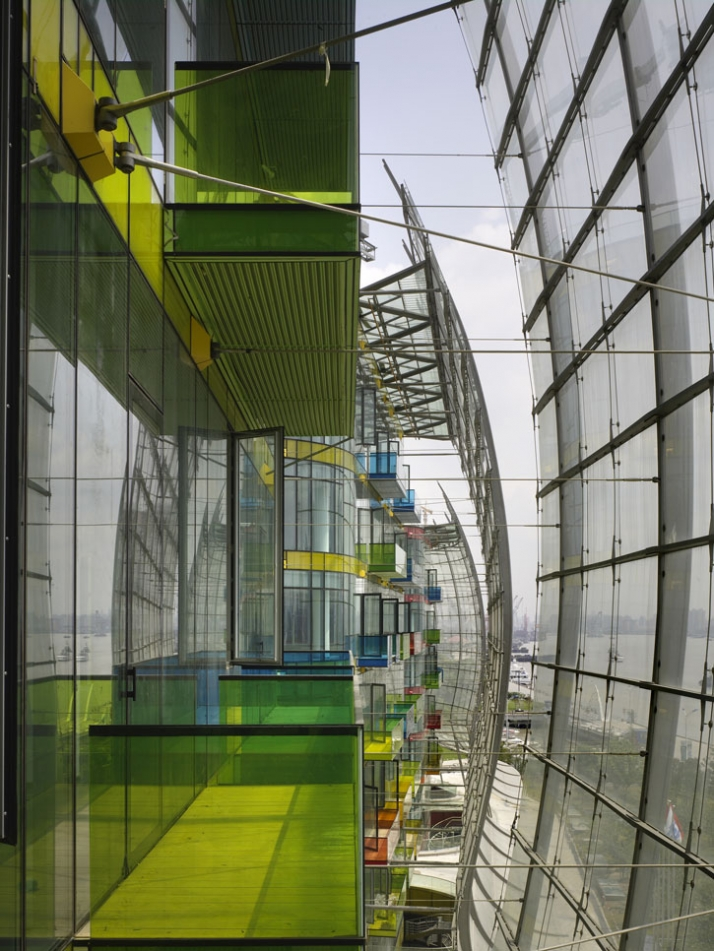 Inside the Wave Facades, forming winter garden spaces populated with colourful balconies, to become 'hanging gardens' on completion photo © Christian