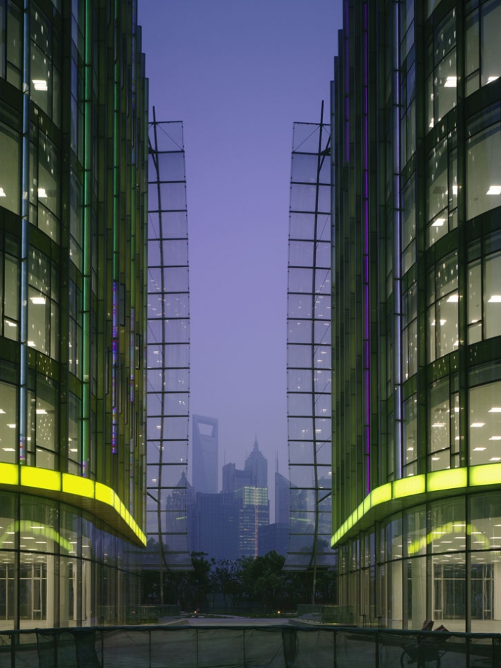 View to Pudong Towers between the riverfront pavilions photo © Christian Richters, 2009