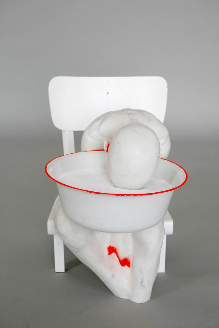 Lateral III © Gregor Gaida, 2008 60 x 90 x 45 cm painted wood, sprayed lacquer, chair, bowl, detergent