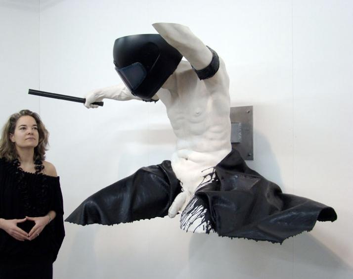 Drummer II © Gregor Gaida, 2010 160 x 75 x 75 cm painted wood, polyester resin, aluminium