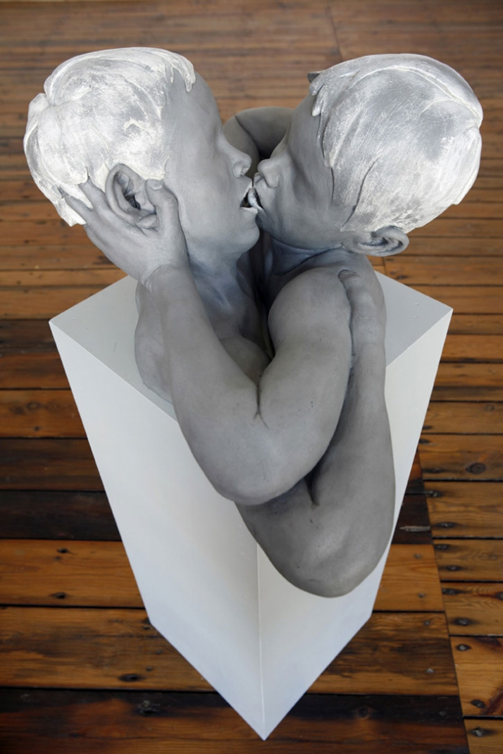 Kuss II © Gregor Gaida, 2008 80 x 50 x 40 cm aluminium, lacquer