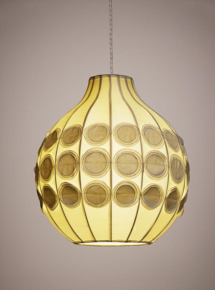 Pompom Pendant Lamp Silk, metal structure. Ø 39 cm