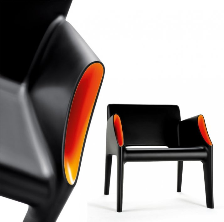 MAGIC HOLE by Philippe Starck with Eugeni Quitllet // Image Courtesy of Kartell