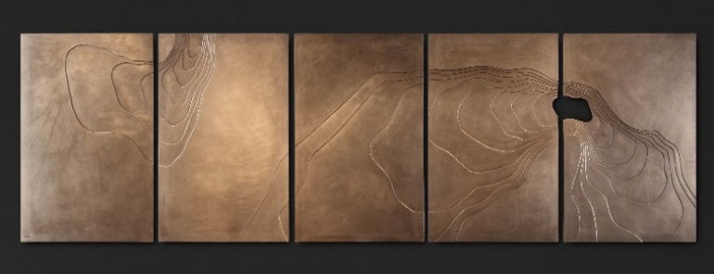 Plateau, 88 x 70 x 1.8cm (Contour Collection) Material: Cold Cast Bronze // © Petr Weigl