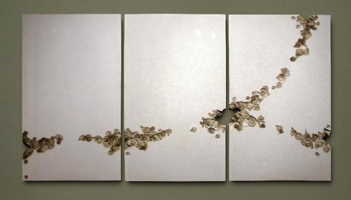 Commission, 70 x 223 x 1.8cm (Contour Collection) Material: Cold Cast Bronze // © Petr Weigl