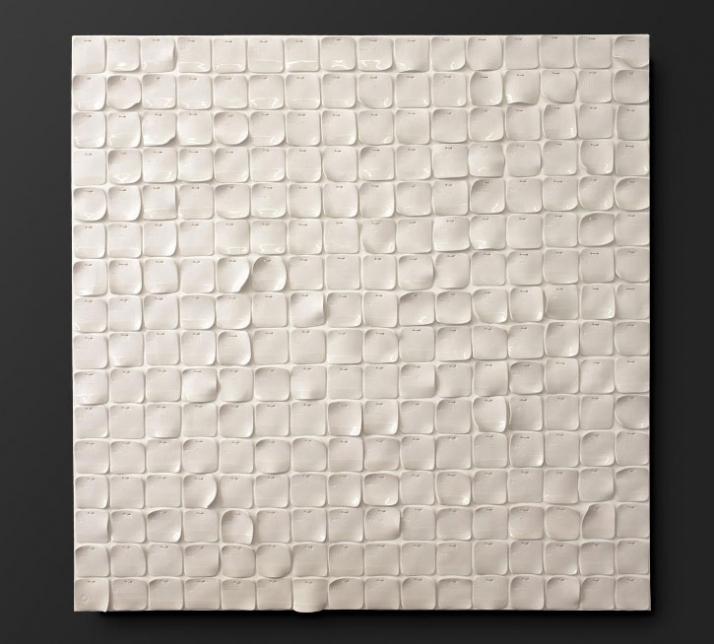 Humanity, 100 x 100 x 6 cm Materials: Oil On Canvas & Bone China // © Petr Weigl