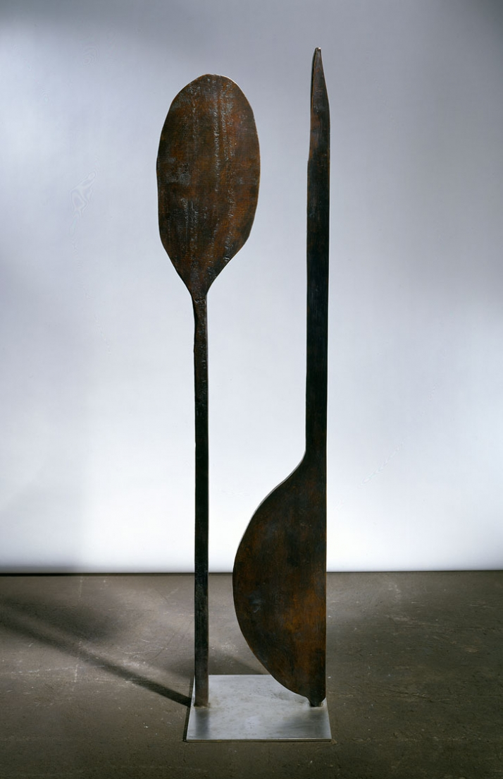 Paddle Woman, 1947 © Louise Bourgeois Courtesy of the artist, Hauser & Wirth and Cheim & Read, New York Photo: Christopher Burke