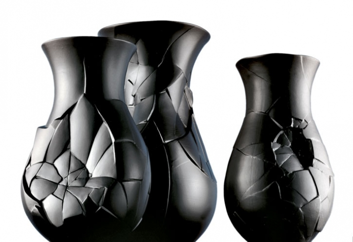 Vase of phases by Dror for Rosenthal // © Dror Studio