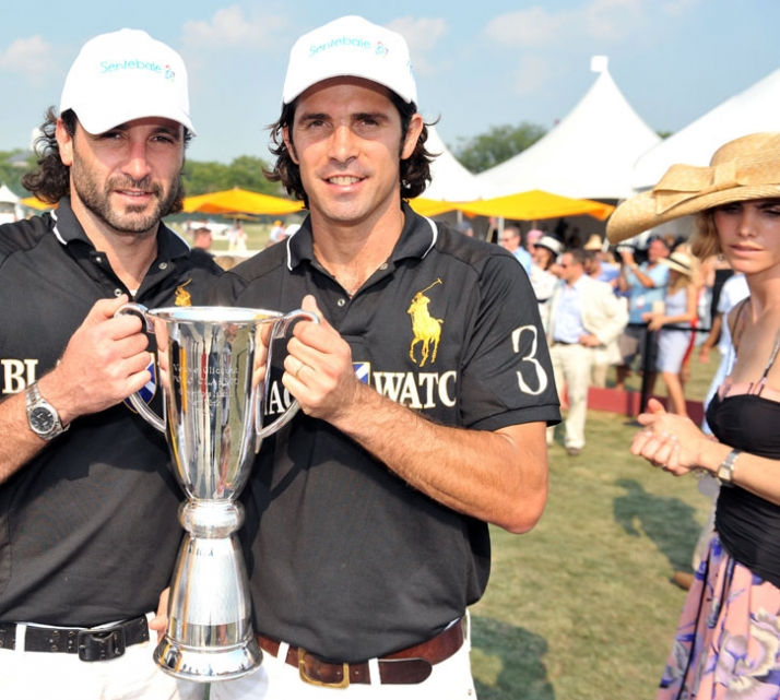 Ricardo Mansur & Nacho Figueras with the Trophy  // Image Courtesy of Veuve  Clicquot