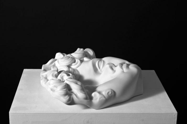 Giuliano rubber face, 2009, marble, 32 x 39 x 9 cm Courtesy of Galleria Rubin (c) Affiliati Peducci/Savini, photo by Martino Gerosa